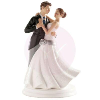 romantikus táncos nászpár