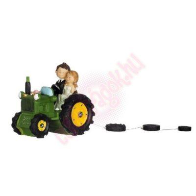 traktoros nászpár