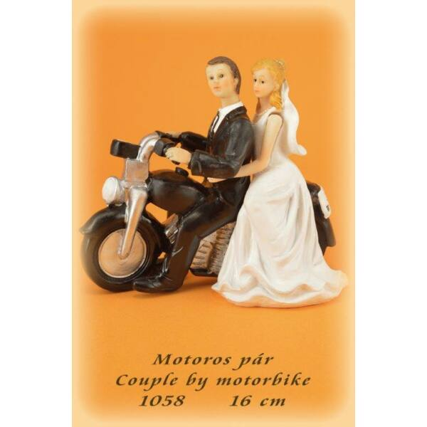 motoros nászpár
